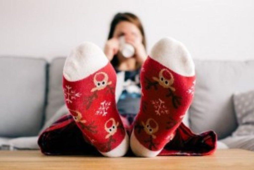 Носки - лучшее средство от бессонницы. Врач объяснил, почему так происходит