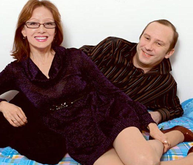 Три брака и жених со странностями: певица Ольга Зарубина так и не обрела личного счастья