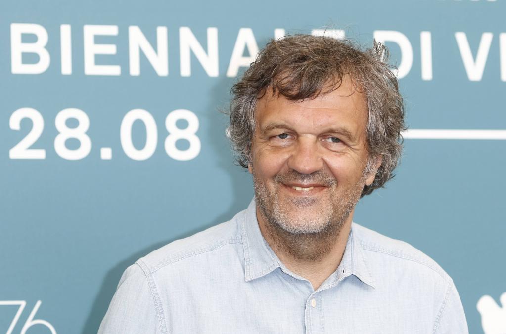 Известный сербский и югославский режиссер Эмир Кустурица сообщил, что привился от коронавируса российской вакциной
