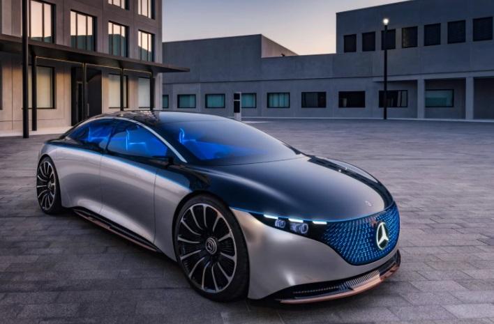 Запас хода до 700 километров и больше 500 лошадиных сил: что известно об электрическом Mercedes S-класса
