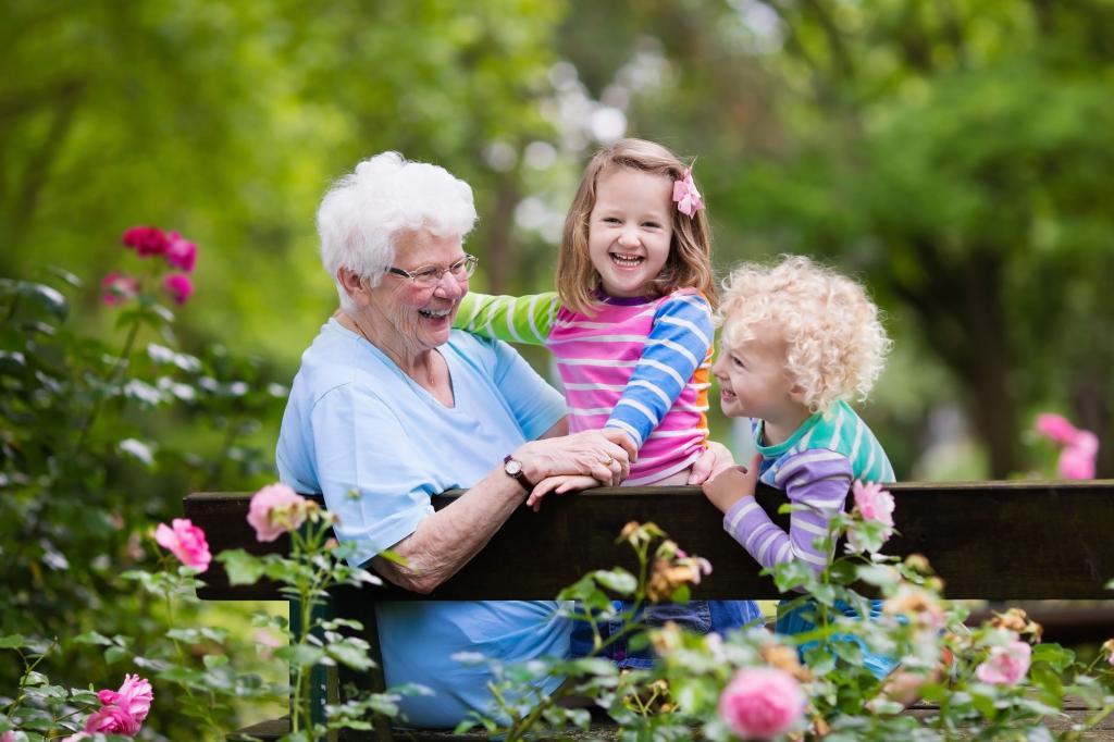 Каких фраз бабушкам лучше не произносить, чтобы сохранить в семье мир