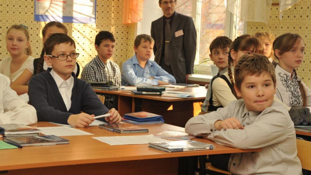 Половина изучающих иностранный язык: более 90 % российских школьников пользуются решебниками