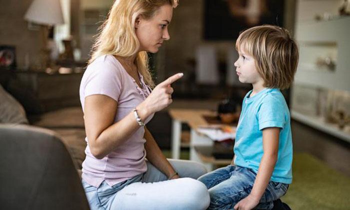 Будьте спокойны и подавайте пример: детский психолог делится стратегиями, как за одну минуту убедить ребенка слушать вас