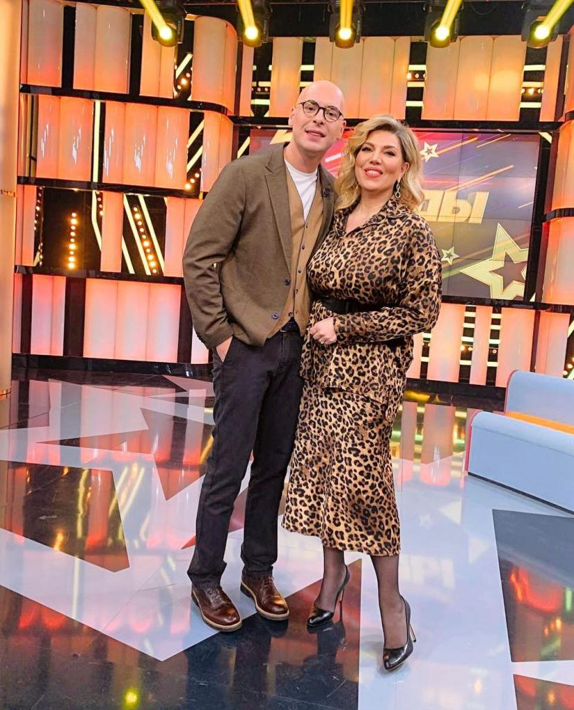 Почему Екатерина Скулкина просит называть ее Лизой, и другие секреты общения звезды Comedy Woman с поклонниками