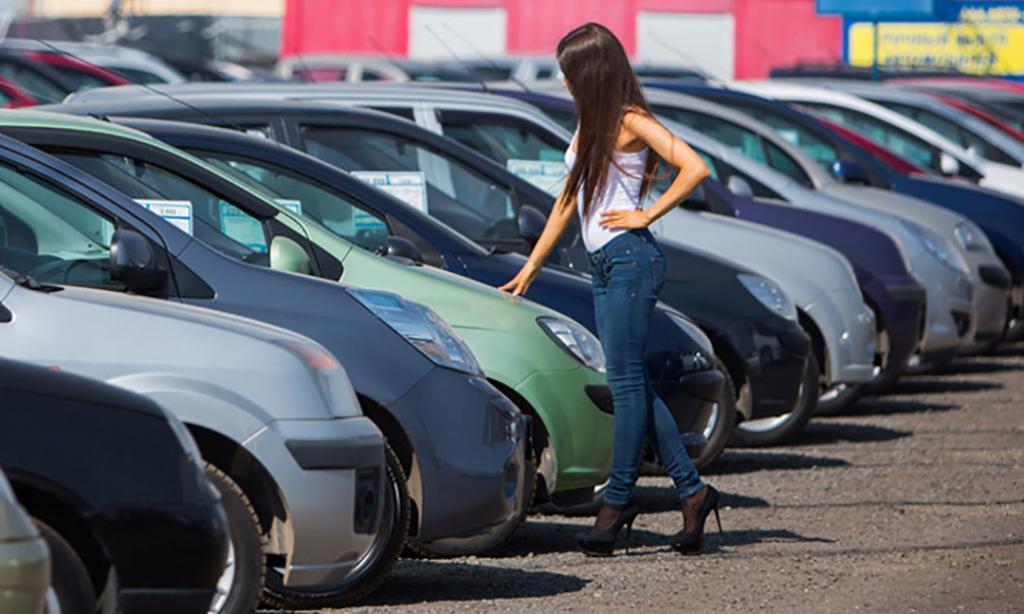 Эксперты рассказали про ажиотаж на рынке авто с пробегом в России