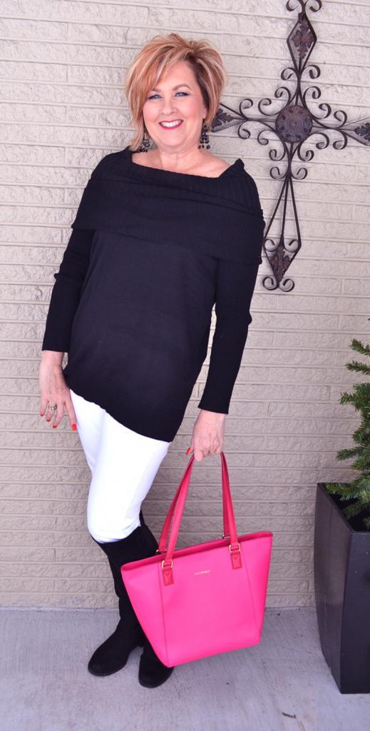 Вещи, которые женщинам за пятьдесят уже не нужно носить, чтобы не ловить на себе странные взгляды (а некоторые все еще надевают их в погоне за модой)