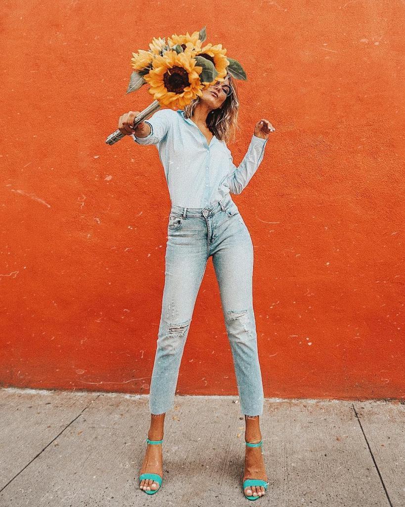 Как быть в тренде: самые модные модели джинсов на 2021 год и с чем их носить