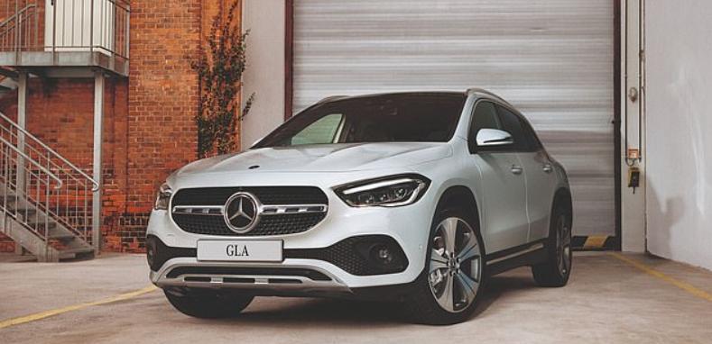 Mercedes-Benz отзывает почти 1,3 млн автомобилей из-за проблем с системой экстренного контакта, дающей неправильное местоположение после аварии