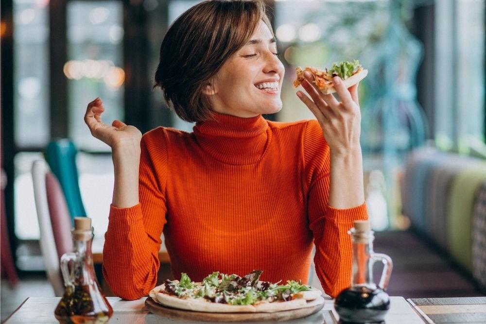 Пейте много молока и ешьте немного, но часто: как естественным образом набрать вес, чтобы повысить уверенность в себе