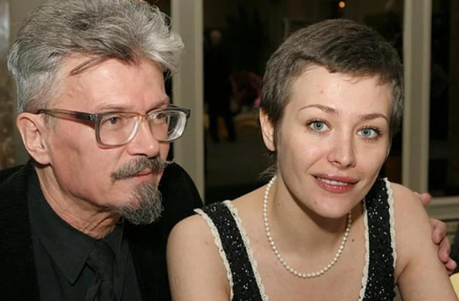 После неудачных трех браков сконцентрировалась на воспитании детей: как выглядит семья актрисы Екатерины Волковой (новые фото)