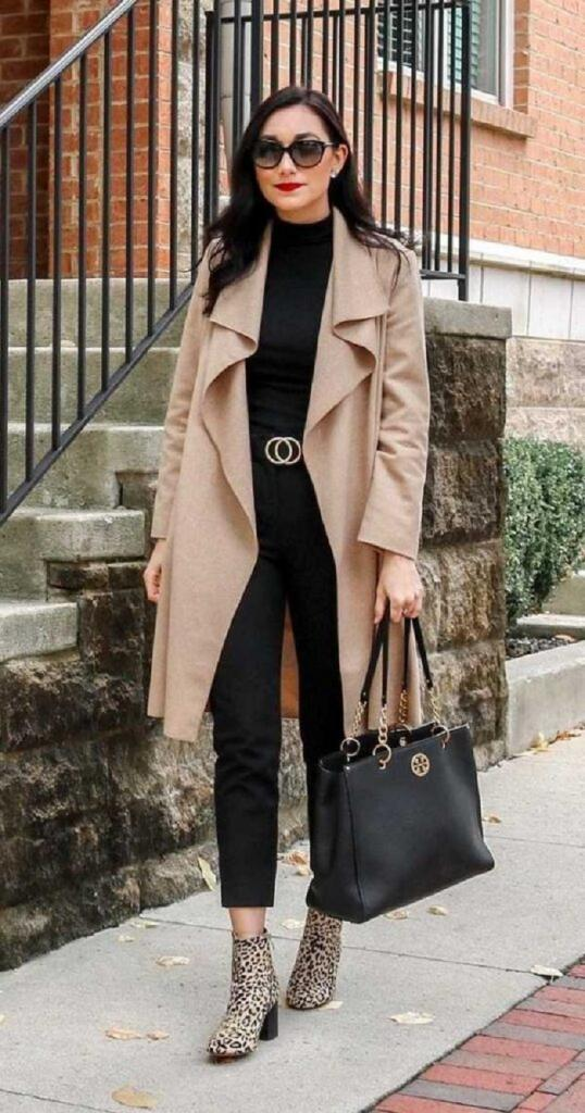 С пиджаком, юбкой-комбинацией и еще несколько стильных образов на весну с простой водолазкой