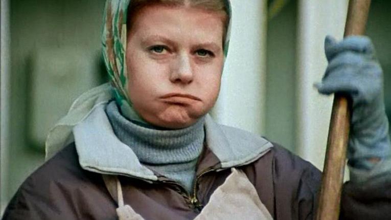 """Страсти вокруг """"Карнавала"""": почему Муравьева не любит свою роль и о чем жалеет Алла Пугачева"""