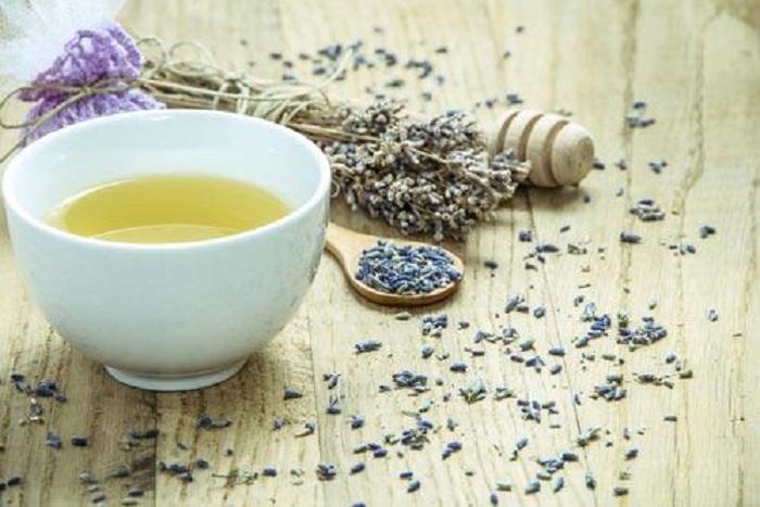 Добавить в чай для крепкого сна или использовать для осуществления мечт: магические и природные свойства лаванды, и как их использовать