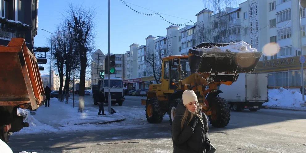 Обещали - сделали: в Москве очистили от снега около 80% дорог и придомовых территорий
