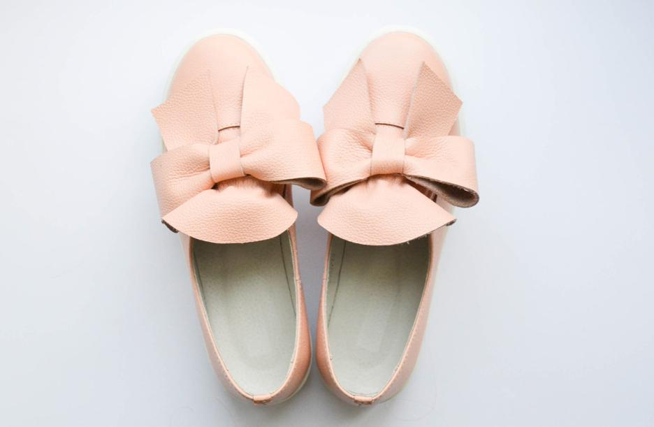 Дизайнеры советуют быть яркими весной-2021 и носить обувь в конфетных розовых оттенках