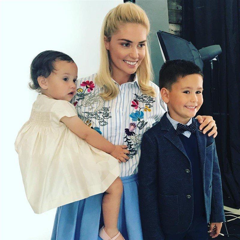 «Хочу мальчика кудрявого»: звезда сериала «Закрытая школа» хочет снова стать мамой, но не планирует заводить ребенка для себя