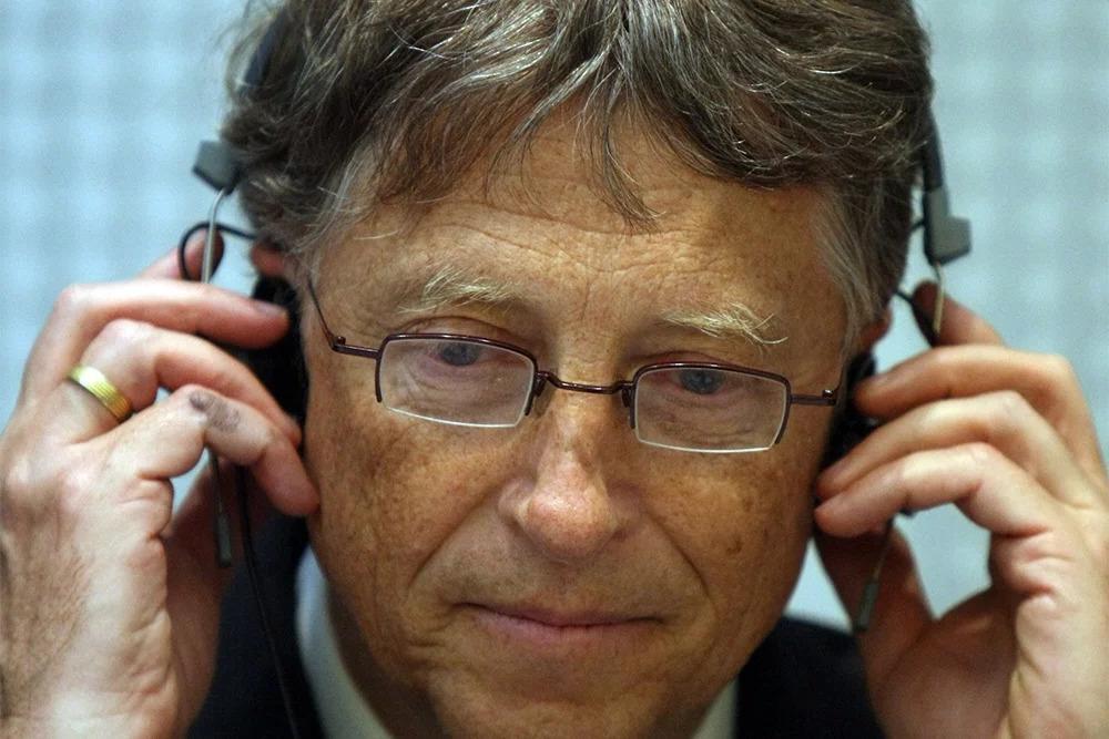 Билл Гейтс рассказал, почему люди отказываются прививаться и носить маски