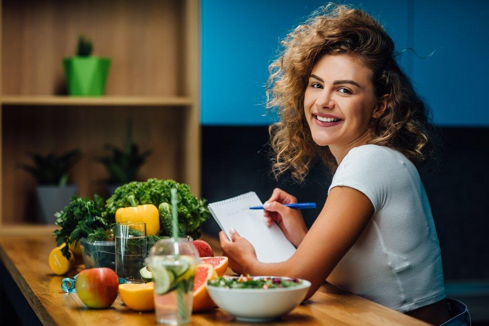 Диеты опасны для здоровья: чтобы похудеть, нужно больше есть и даже прибавить несколько килограмм