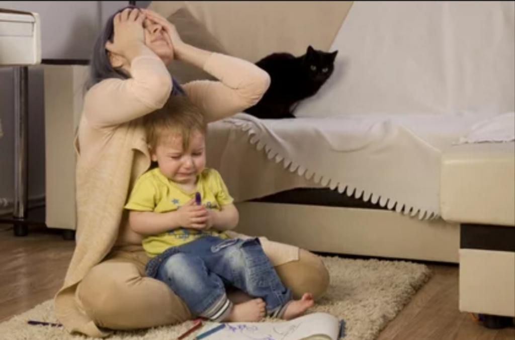 Почему дети рядом с мамой ведут себя капризно: здесь дело не в маме