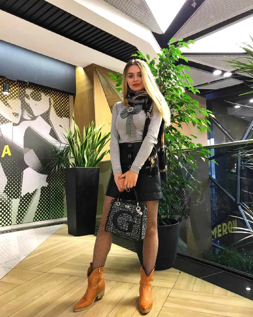 Королева красоты из Румынии лишилась работы из-за своей модельной внешности