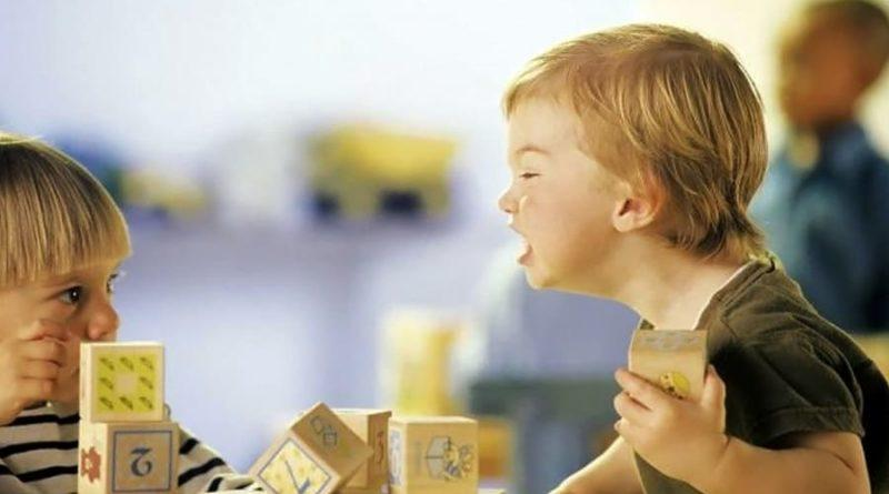 Более широкое понимание детской психологии: действительно ли дети плохо себя ведут для получения внимания