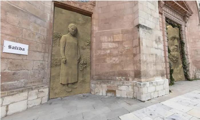 Испания: великолепный готический собор Бургоса хотят обновить дверями за 1,2 млн €, но тысячи людей против реконструкции