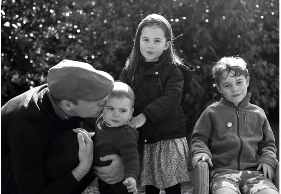 Отдых подходит к концу: Кейт Миддлтон и принц Уильям с детьми готовятся вернутся в Лондон