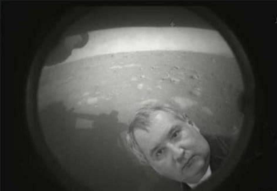 """Неожиданным образом отреагировал глава """"Роскосмоса"""" на первые фото с марсохода"""