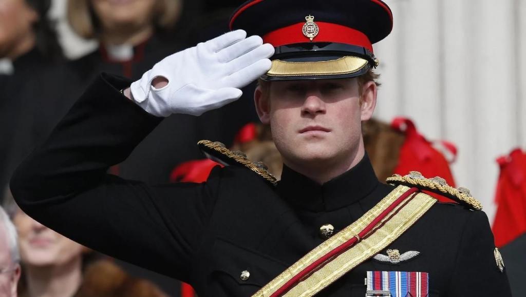 Пути назад нет: принц Гарри потерял все воинские звания