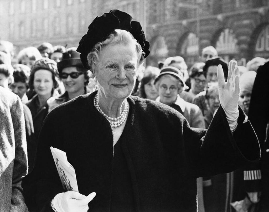 Он читал и становился лучше: как Клементина Черчилль влияла на своего мужа при помощи писем