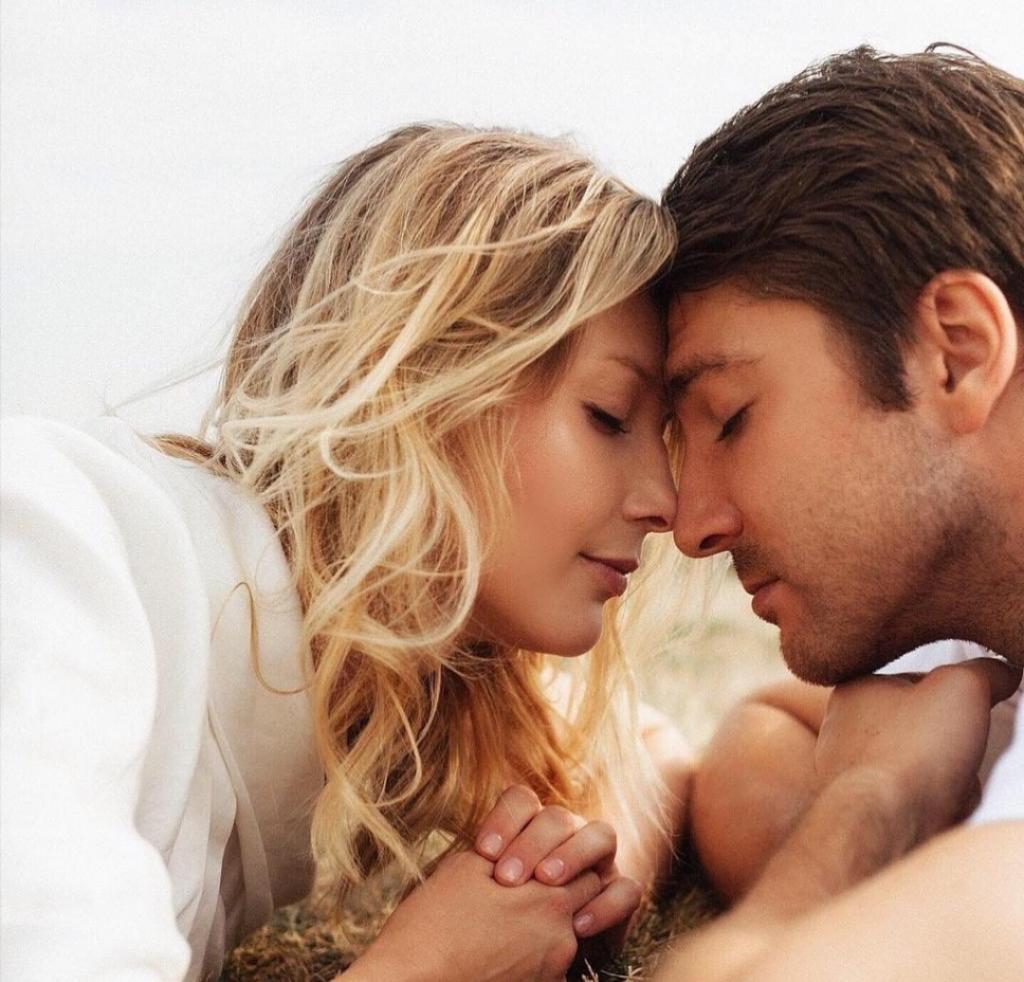 В Михаила Пшеничного влюблены многие женщины, но сердце актера принадлежит лишь одной. Новые семейные фото звезды сериалов