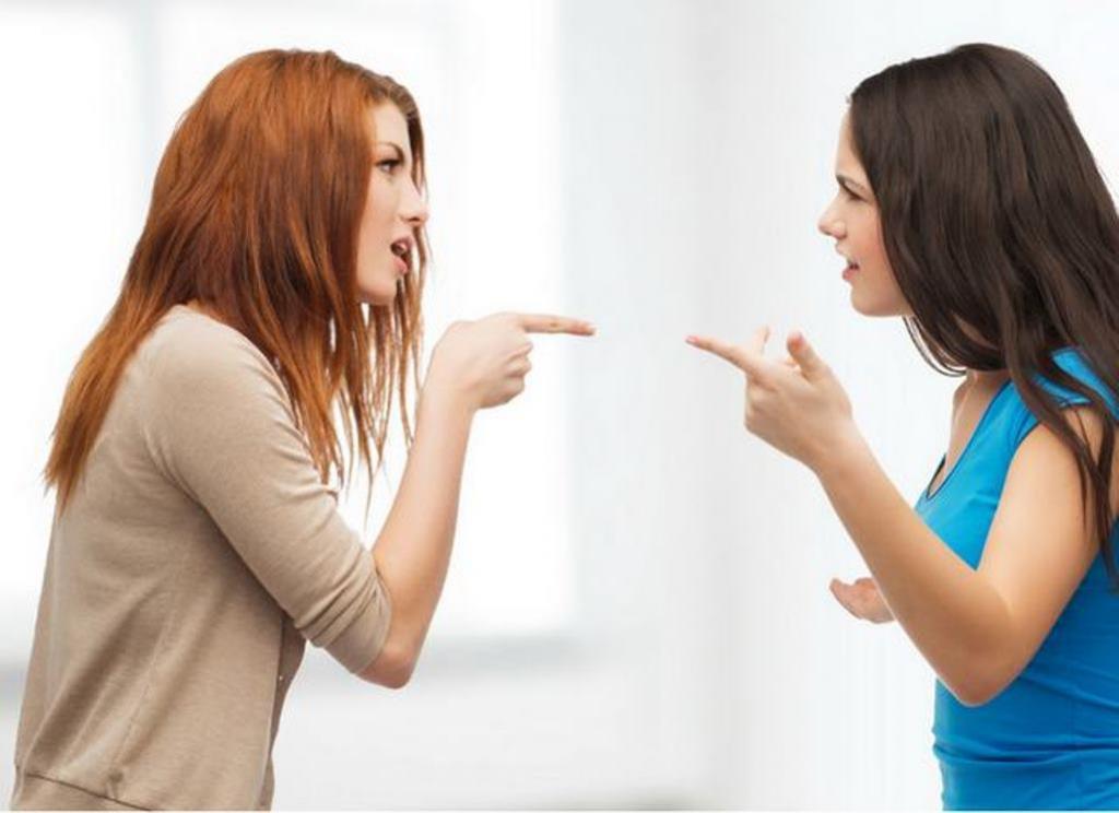 """""""Я не справлюсь"""" и """"Ты во всем виноват"""": фразы, которые как магнитом притягивают в жизнь негатив (а мы каждый день произносим их, не задумываясь)"""