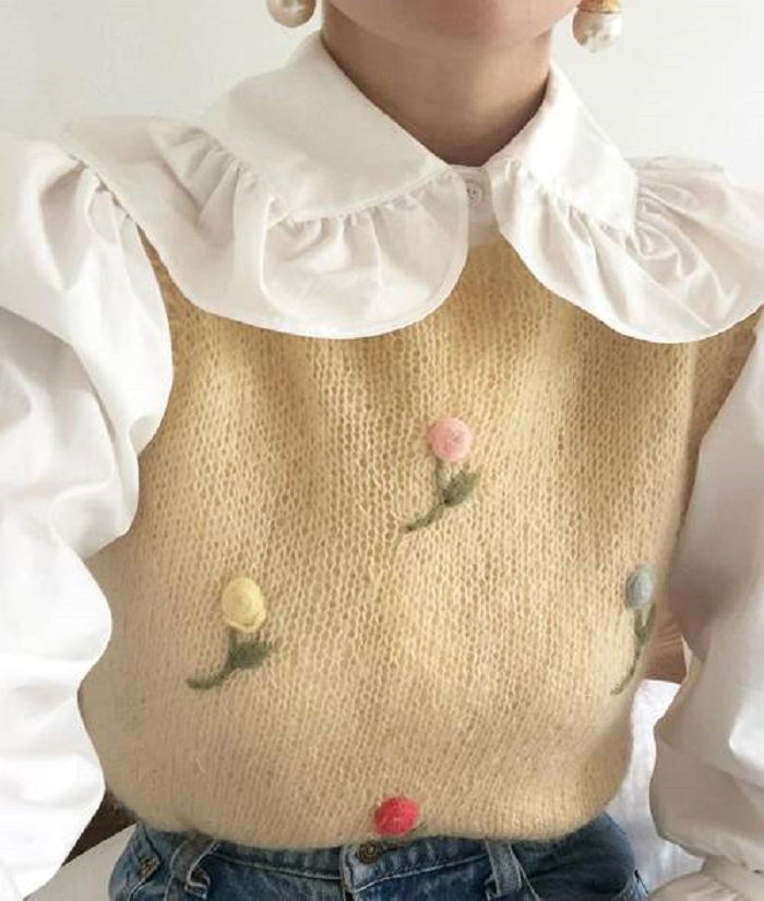 Эластичная юбка с кардиганом и еще несколько идей нарядов на весну 2021 для женщин любого возраста