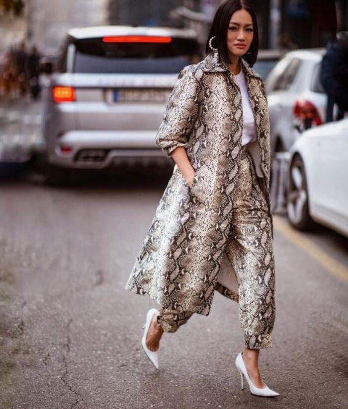 Змеиный принт на пике моды весной 2021: что, как и с чем носить в сезон