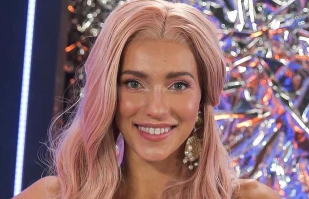 """""""Это увлекательнейший аттракцион"""": 30-летняя Регина Тодоренко решила поставить брекеты на свои идеально ровные зубы"""