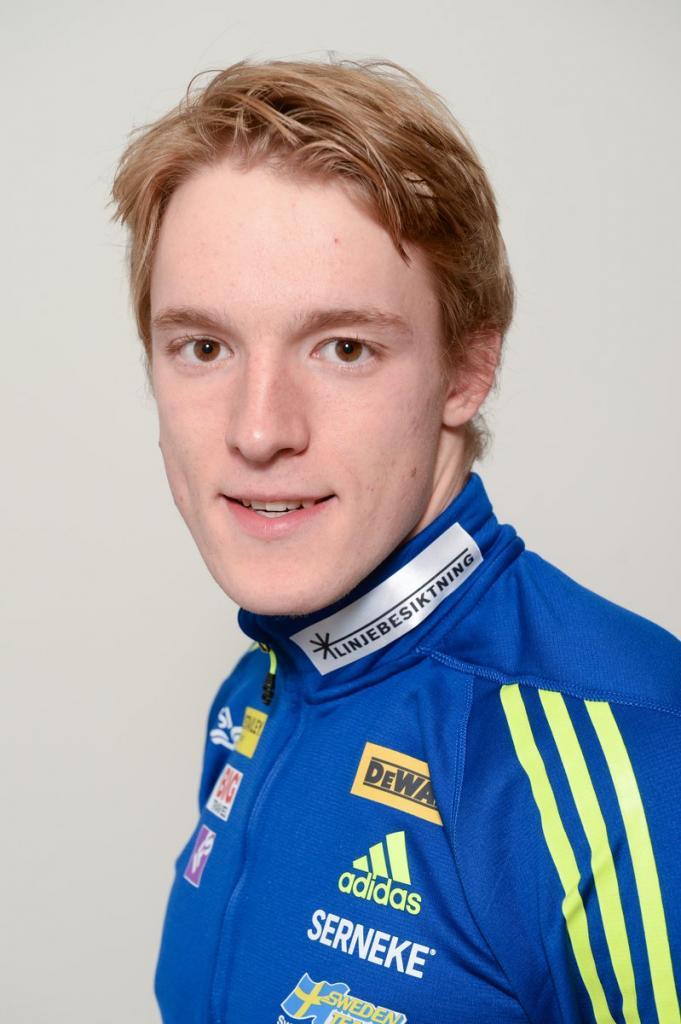 «Иди вперед, мне уже все равно»: французский биатлонист, чемпион мира, остановился на середине гонки и заплакал