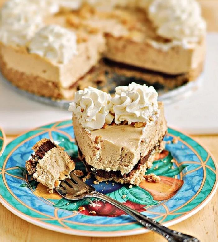 Торт с арахисовым маслом, шоколадом и маскарпоне - вкусный и не очень сладкий десерт