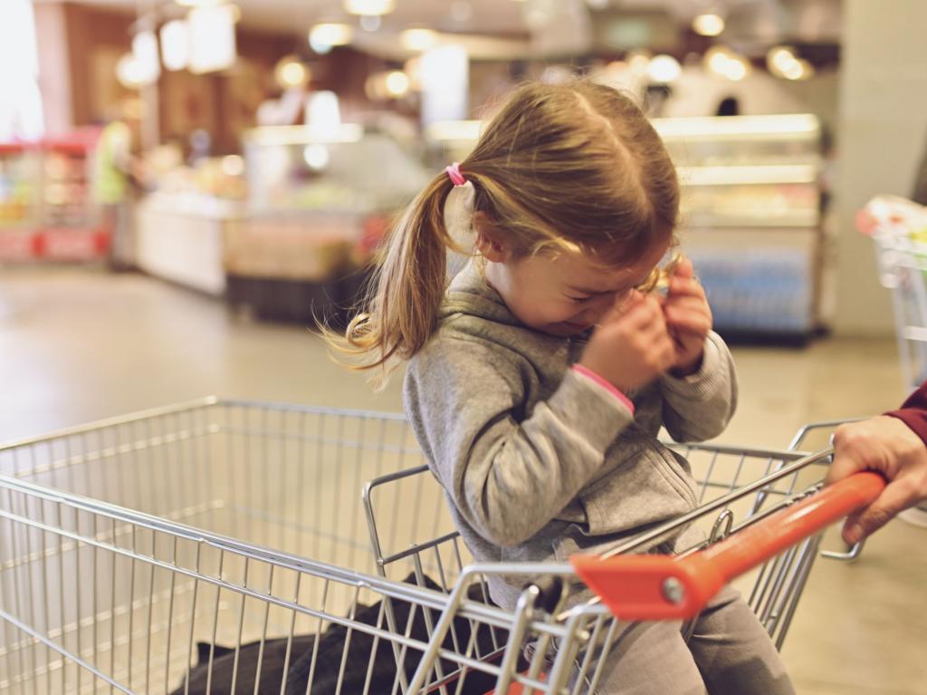 Как научить ребенка справляться со смущением (хуже всего - делать вид, что ничего не произошло)