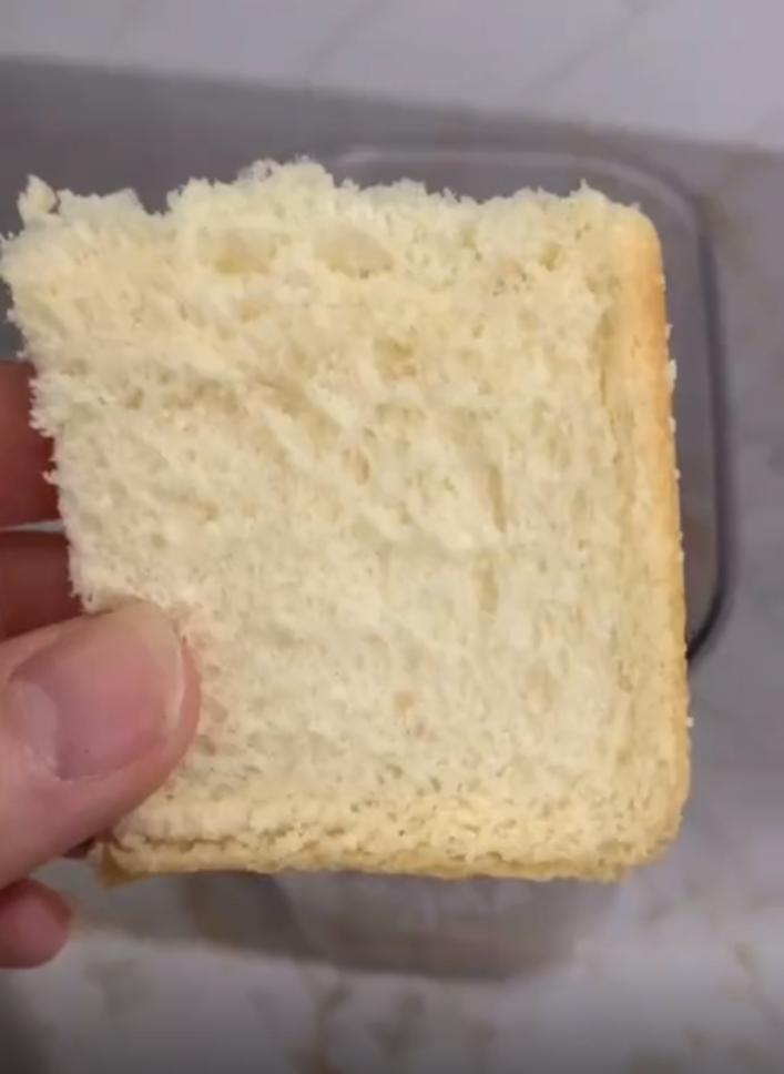"""""""Если сахар слипся в ком, беру хлеб"""": трюк, которому научила мама"""