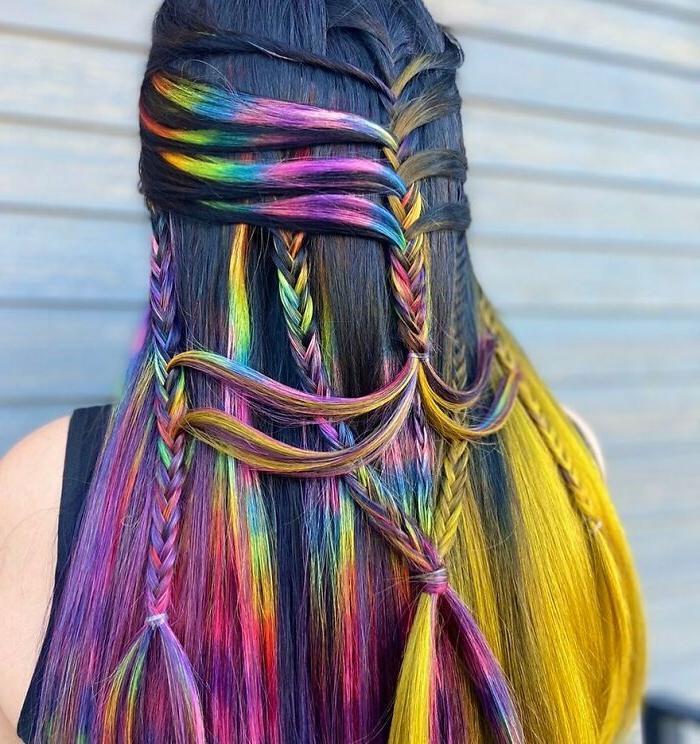 Двадцатиоднолетний парикмахер из Нью-Джерси создает невероятные прически своим клиентам. Фото его работ стали вирусными