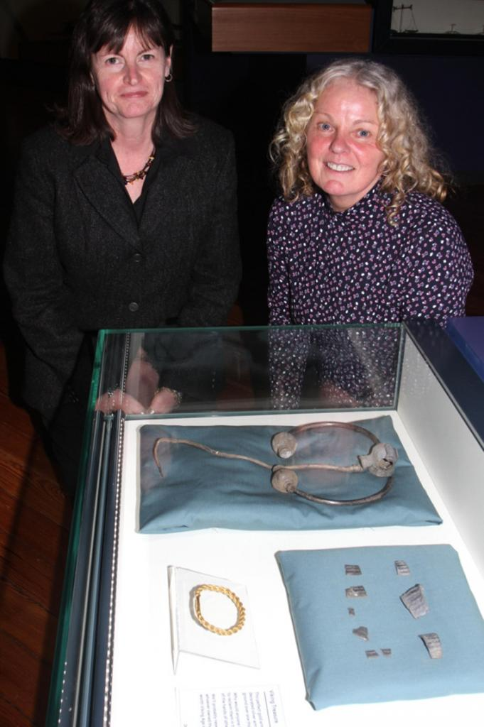 Официальное сокровище: как выглядит драгоценный клад викингов, найденный в Великобритании и признанный национальным достоянием