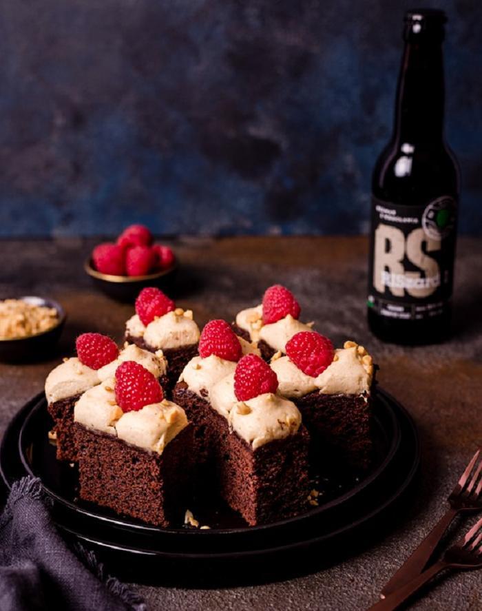 Шоколадный торт с орехово-сливочным кремом: рецепт десерта на пиве