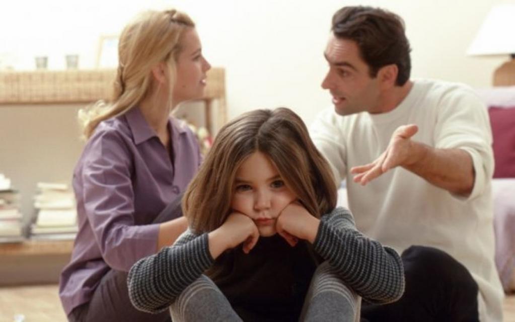 Большая проблема многих семей: чрезмерный контроль родителей негативно влияет на ребенка