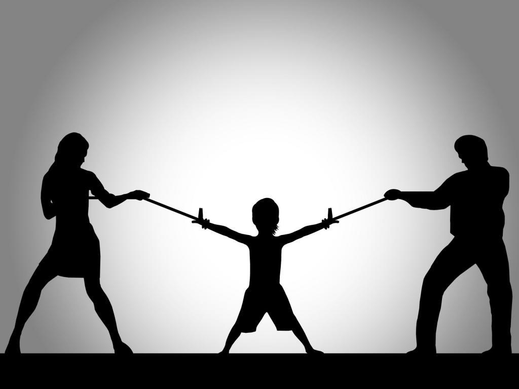 7 фраз, которые нельзя говорить мужу при детях: причину объяснил психотерапевт