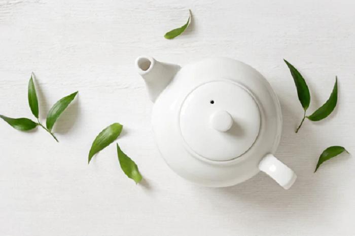 Ванна с помидорами, зеленый чай и еще 3 продукта, которые избавят от неприятного запах пота
