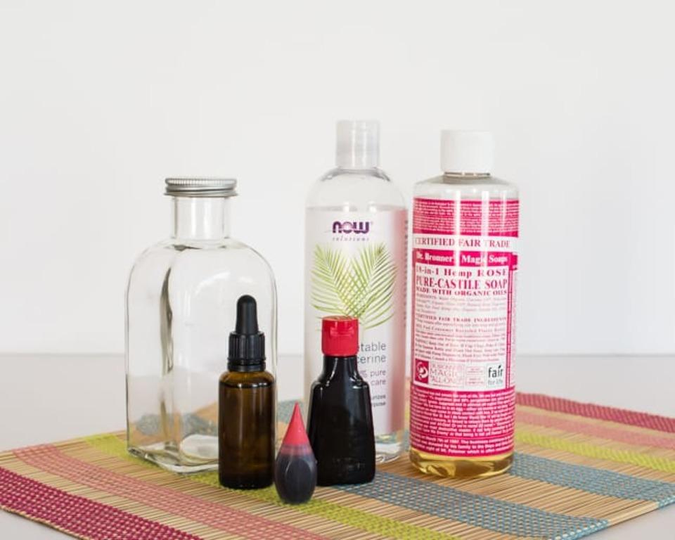 Делаем домашнюю пену для ванны. Она натуральная, подходит для чувствительной кожи и помогает хорошо уснуть