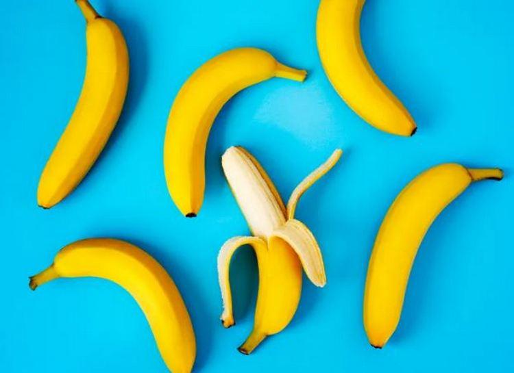 Бананы, хлопья для завтрака и мюсли,кулинарный спрей,сырой миндаль,лапша быстрого приготовления:размеры порций некоторых продуктов должны быть намного меньше, чем вы думали