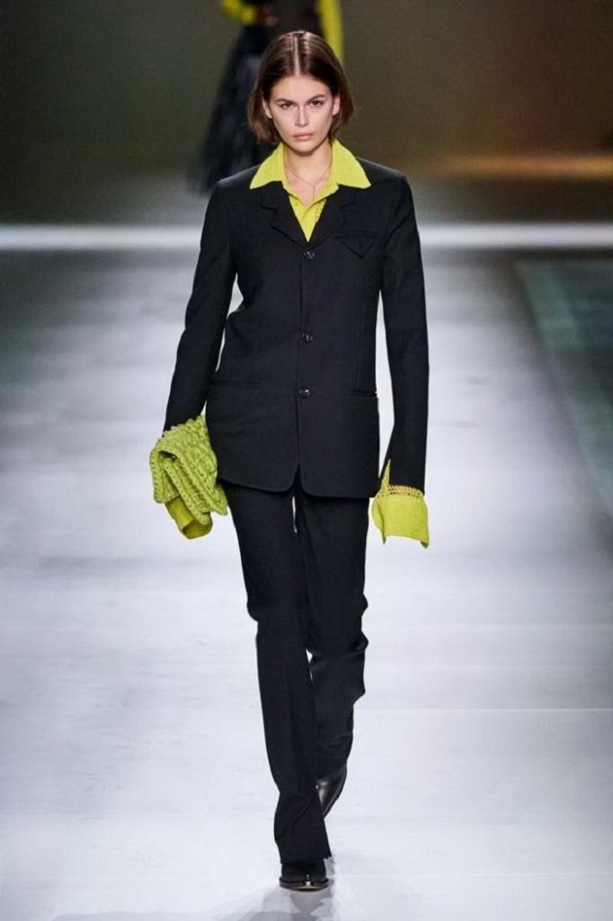 Монохром остается в тренде: тенденции осени-2021, представленные на Неделе моды в Милане (многое можно носить уже этой весной)