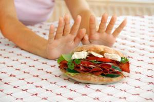 Почему вы должны прекратить есть пищу, оставшуюся со вчерашнего дня?