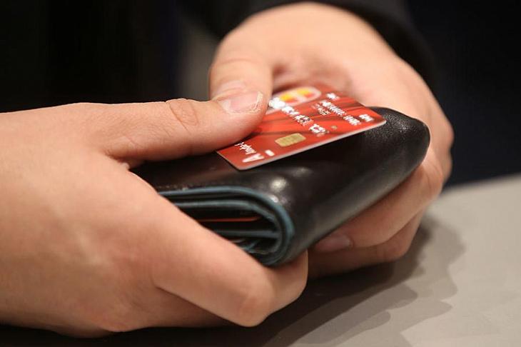 В России количество выпущенных банковских карт достигло рекордного максимума